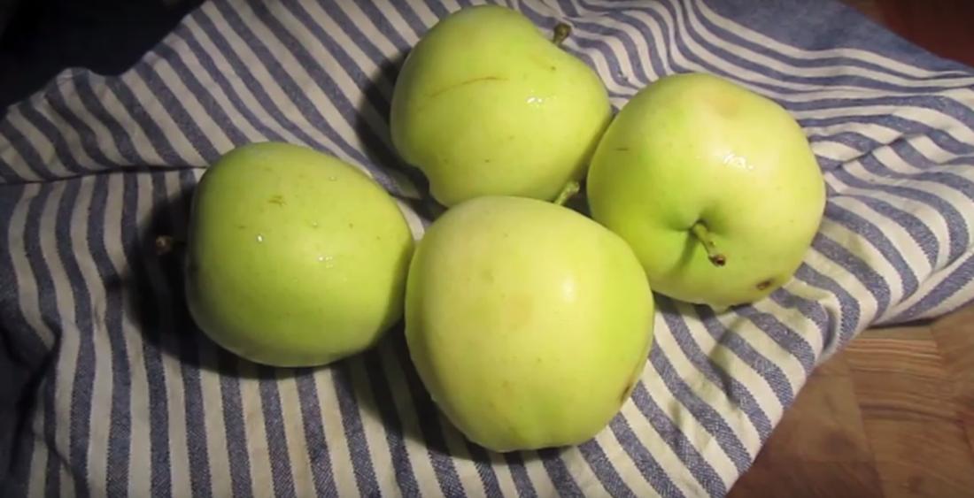 Klassisk æblegrød Med Vanille Meat The Beet
